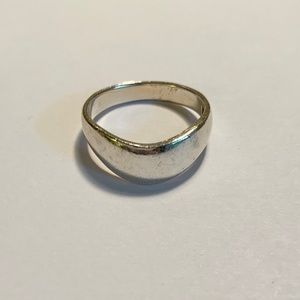 Jewelry - Sterling Silver Band Ring Size 7